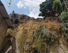 Área afectada por derrumbe en la colonia Castañás, en la zona 11 de Villa Nueva. (Foto Prensa Libre: María René Gaitán).