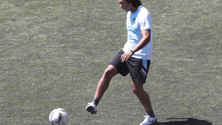 El delantero mexicano Agustín Herrera está motivado que su equipo logrará un buen resultado en el Clásico 308. (Foto Prensa Libre: Francisco Sánchez)