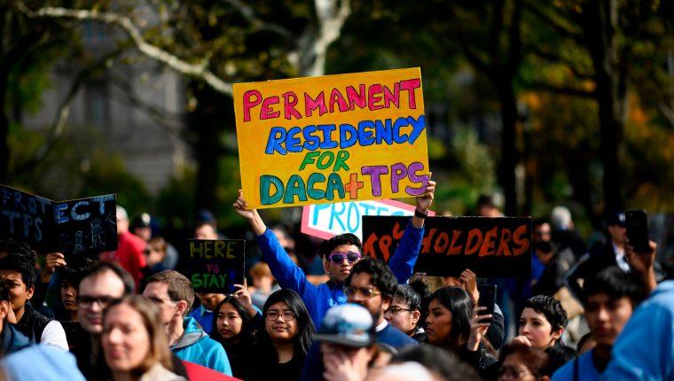 """Los manifestantes marcharán bajo el lema """"Home is Here"""" (El hogar está aquí). (Foto Prensa Libre: AFP)"""