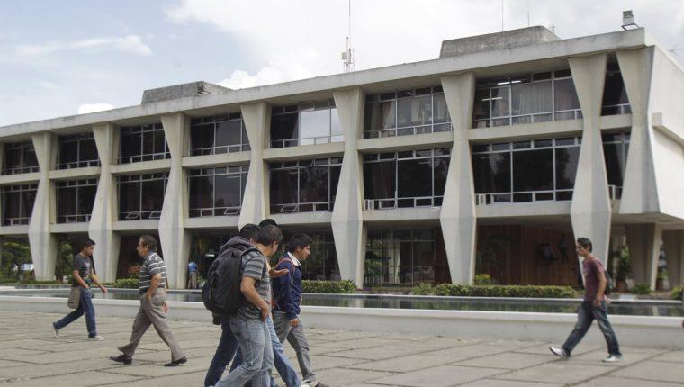 Los allanamientos de la Feci se llevaron a cabo en oficinas de la Facultad de Ingeniería, Rectoría y Diga. (Foto HemerotecaPL)
