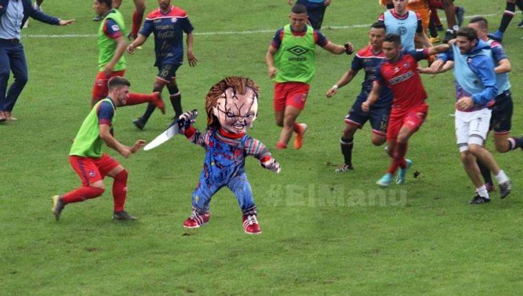 Edward Santeliz a quien le dicen Chucky acaparó bastantes memes después de la trifulca entre rojos y altenses. (Foto Prensa Libre: Redes)