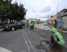 La Municipalidad de Guatemala se encuentra recuperando las vías del tren que van de la 18 calle de la zona 1 al barrio La Ermita en zona 3. (Foto Prensa Libre: Juan Diego González)