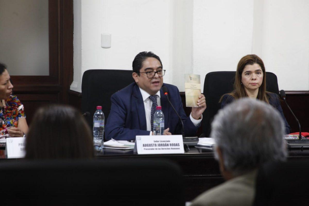 PDH Jordán Rodas se retira de tensa citación que buscaba removerlo del cargo