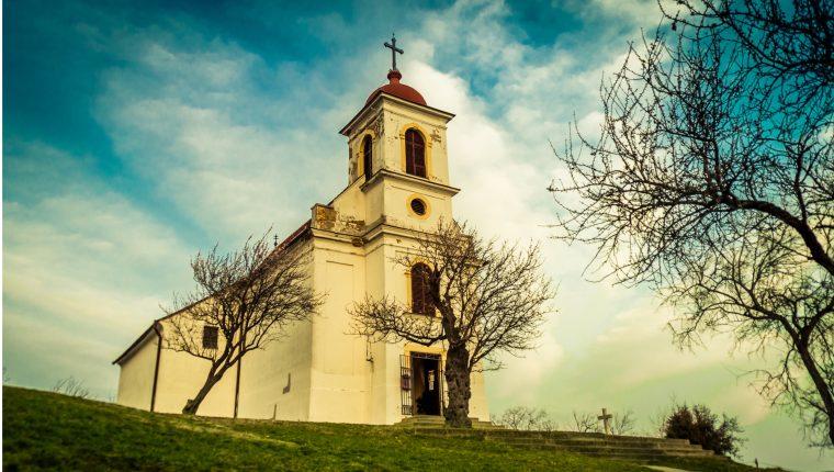Iglesia Católica polaca dice que escuela no es lugar para promover LGTB. (Foto Prensa Libre: pexels)