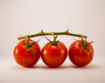 El tomate: sus beneficios, usos gastronómicos y 3 recetas