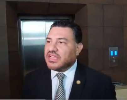 Ministro Alonzo arremete contra Giammattei por acuerdo de uso de plásticos y el pasaporte italiano