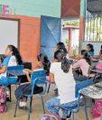 Un nuevo censo de infraestructura escolar podría revelar factores como la forma en que se distribuyen recursos para equipamiento tecnológico. (Foto Prensa Libre: Hemeroteca)