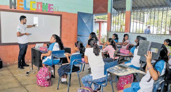 Guatemala sube el gasto en educación pero la calidad no mejora
