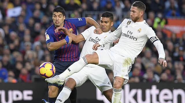El partido entre el Barcelona y el Real Madrid que se disputaría el último fin de semana de octubre será aplazado. (Foto Prensa Libre: AFP)