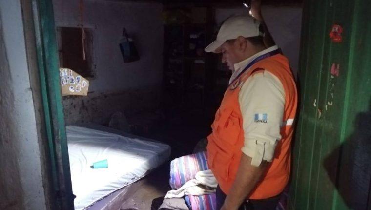 Una vivienda quedó con el lodo hasta la altura de la cama. (Foto Prensa Libre: Noticias de Gualán)