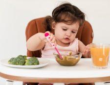 La alimentación complementaria es fundamental para el ser humano (Foto Prensa Libre: freepik.es).