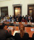 Jefes ediles de siete municipios se reúnen con diputados de la Comisión de Finanzas. (Foto Prensa Libre: Twitter Ricardo Quiñónez)