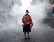 La mujer de la foto viral provenía de la provincia de Cotopaxi. (DAVID DÍAZ ARCOS, GENTILEZA AGENCIA BLOOMBERG)
