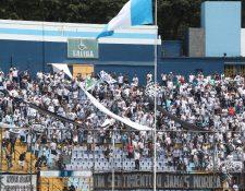 La afición cree en la remontada frente al club hondureño. (Foto Prensa Libre: Hemeroteca PL)