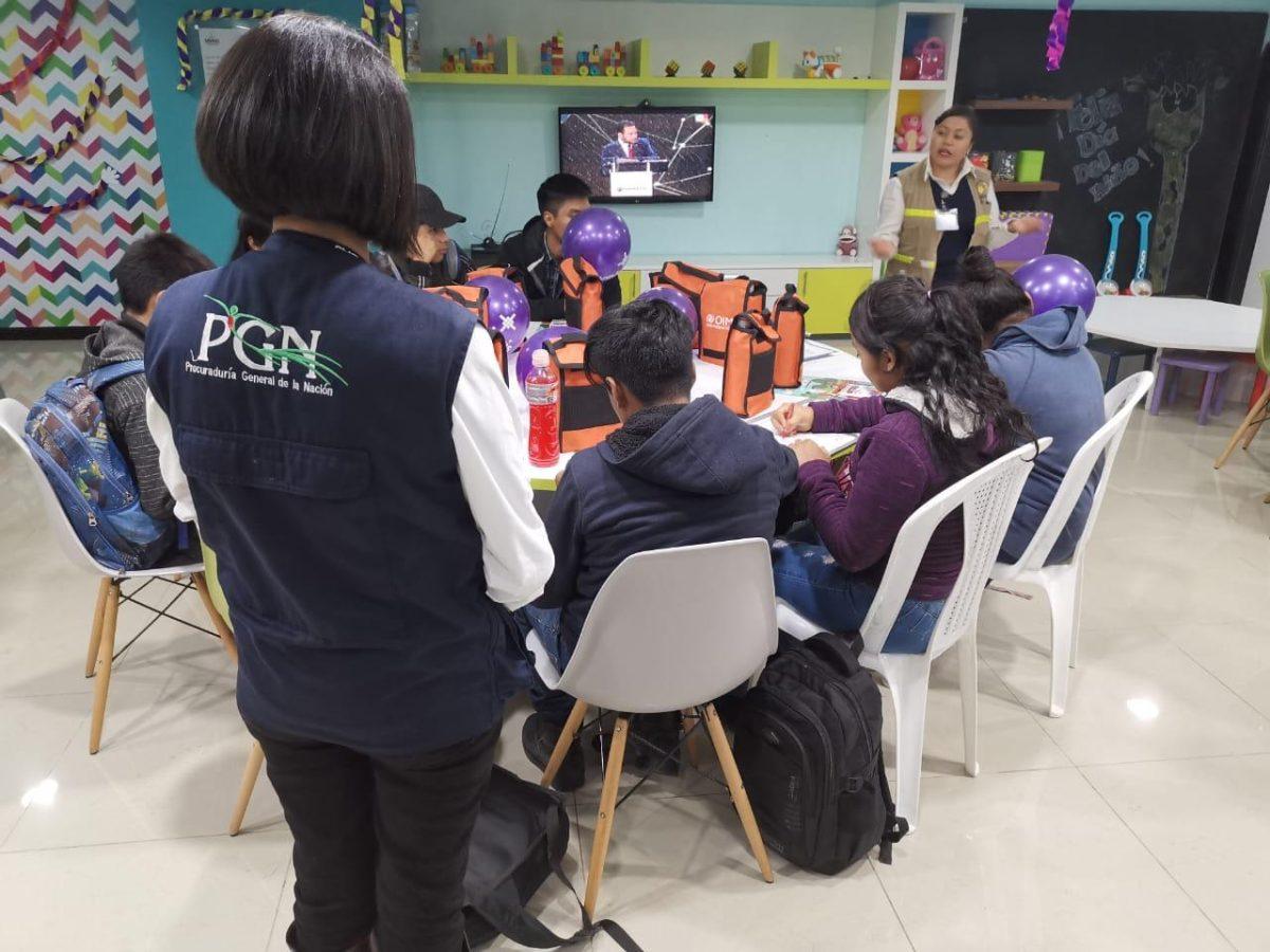 Retornan al país 20 adolescentes desde México