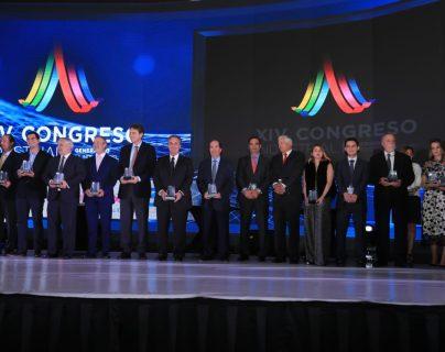 El gremio entregó reconocimientos durante el XIV Congreso Industrial y del III Encuentro de Emprendedores, organizados por la Cámara de Industria de Guatemala. (Foto Prensa Libre: Juan Diego González)