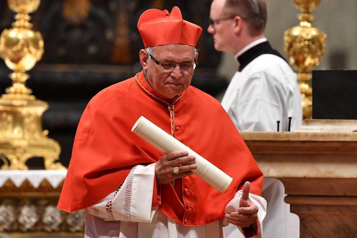 Cardenal Álvaro Ramazzinni: La falta de solidaridad con los deportados es increíble