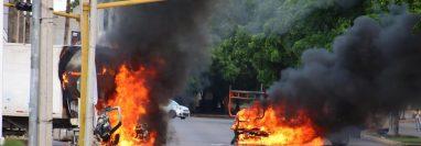 """Según versiones oficiales hay 21 personas lesionadas por arma de fuego y, aunque todavía """"sin confirmar"""", se contabiliza la muerte de varios miliares y miembros de la Guardia Nacional, además de """"dos o tres civiles"""".  Fotografía Prensa Libre: AFP."""