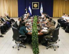 Reunión de funcionarios salvadoreños y guatemaltecos en San Salvador. (Foto: Ministerio de Justicia y Seguridad salvadoreño/La Prensa Gráfica)