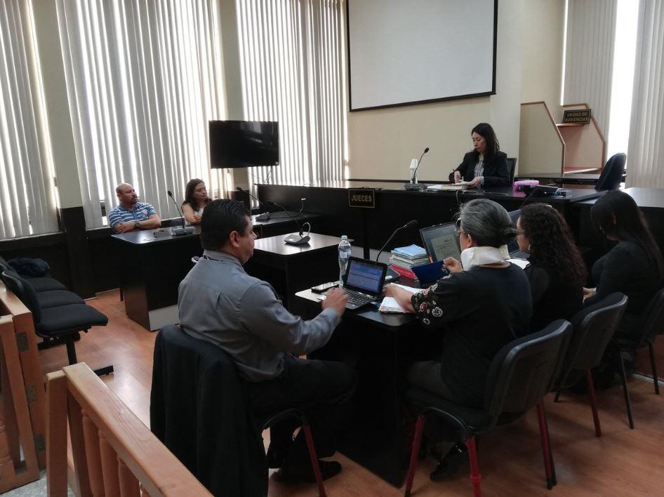 Oficial del Juzgado de Mayor Riesgo D es detenida, acusada de haber sustraído documentos