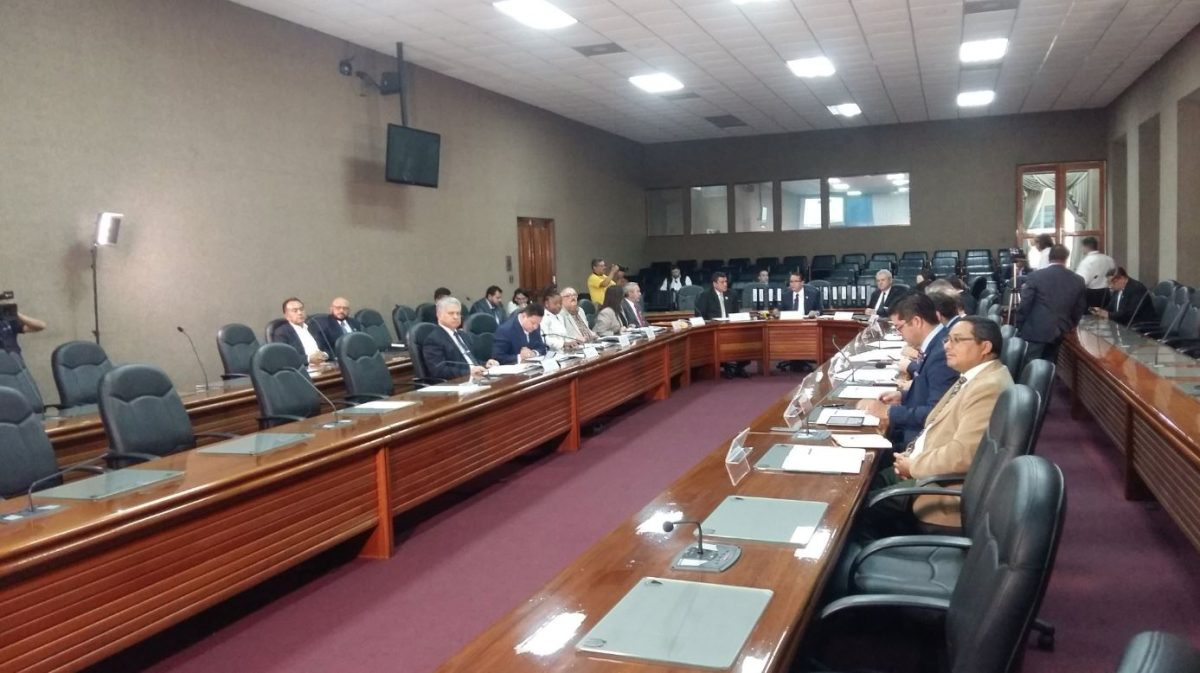Gobierno electo recibe información de 14 ministerios