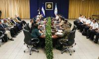 El Consejo de Seguridad de Alejandro Giammattei se reunió en El Salvador con el ministro de Justicia y Seguridad Pública de ese país. (Foto Prensa Libre: @SeguridadSV
