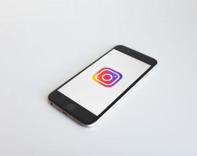 Instagram, propiedad de Facebook, habilitó el chat grupal. (Foto Prensa Libre: unsplash)