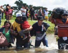 Miles de migrantes buscan cruzar la frontera para llegar hasta Estados Unidos. (Foto Prensa Libre: Hemeroteca PL)