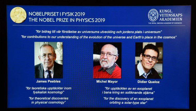 Tres investigadores, astrofísicos y astrónomos ganan el Premio Nobel de Física 2019. (Foto Prensa Libre: AFP)