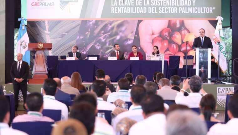 Jimmy Morales inauguró el III Congreso de Palmero de Guatemala. (Foto: Prensa Libre: SCSP)