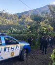 Diez policías fueron capturados por pertenecer a organización que se dedicaba al tumbe de drogas. (Foto Prensa Libre; PNC)