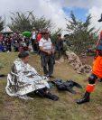 Bomberos sufren hipotermia durante la búsqueda de un joven que fue arrastrado por el Río Escondido, en Huehuetenango. (Foto Prensas Libre. Cortesía Bomberos Voluntarios)