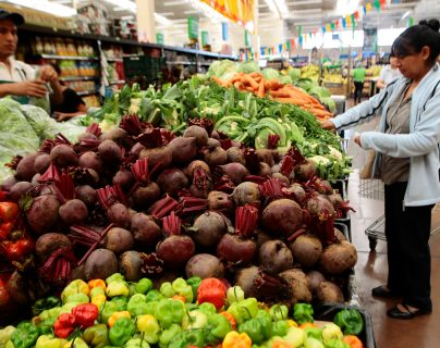 La remolacha es uno de los productos que registraron un sustancial incremento esta semana en 22 por ciento para mayoristas, según el boletín del Maga. (Foto Prensa Libre: Hemeroteca)
