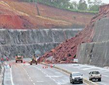 El libramiento fue cerrado debido a que se reparan los derrumbes originados por la saturación de humedad debido a las lluvias. (Hemeroteca PL)