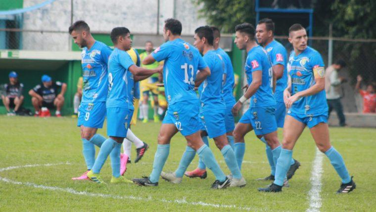 Así festejaron los jugadores de Sanarate frente a Cobán Imperial. (Foto Prensa Libre: Cortesía)