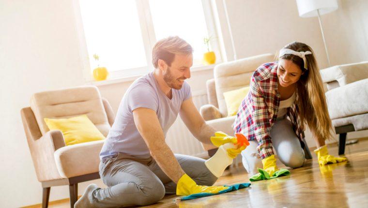 Limpiar la casa es, además de una tarea del hogar, una forma de liberar el estrés. (Foto Prensa Libre: Servicios).