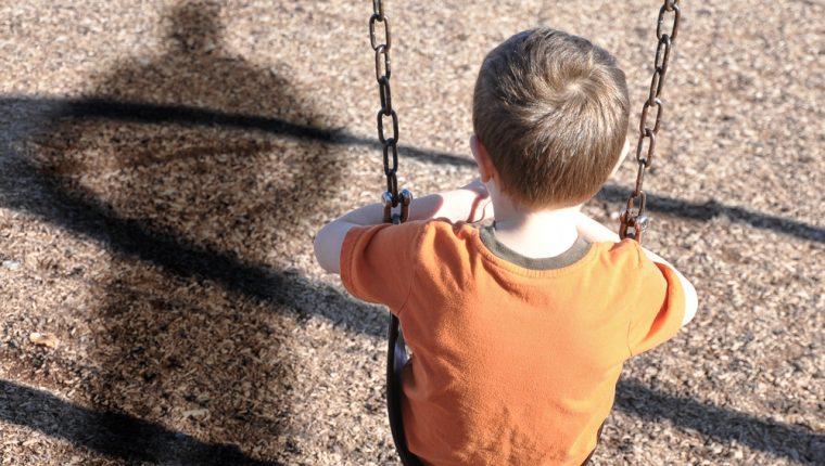 Es importante que los niños conozcan los peligros a los que podrían enfrentarse y cómo reaccionar. (Foto Prensa Libre: Servicios).
