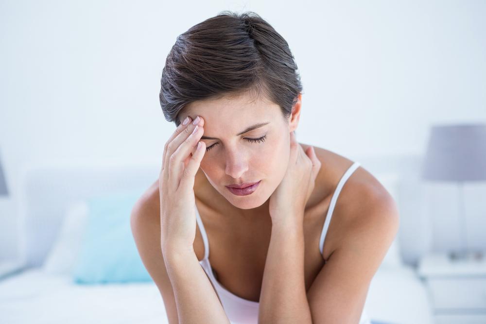 Dolor de cabeza constante y palpitante