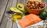 El consumo moderado de grasas saludables favorece su estado de salud. (Foto Prensa Libre: Servicios).