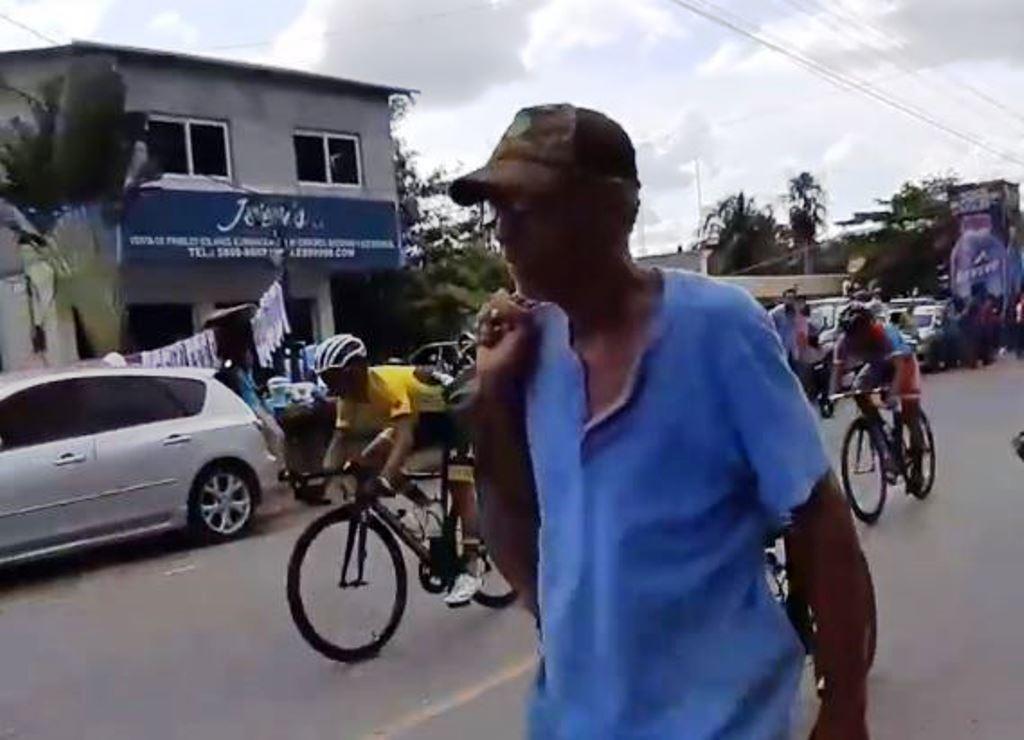 59 Vuelta   Qué pasó con el hombre que botó a un ciclista en Izabal