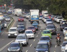 Se espera que la próxima semana el fin del ciclo escolar provoque cambios en el tránsito.(Foto Prensa Libre: Hemeroteca PL)
