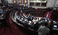 El presidente no logró el respaldo suficiente para mantener el estado de Sitio. (Foto Prensa Libre: Carlos Hernández)
