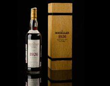 """La exclusiva botella de """"The Macallan 1926"""" alcanzó cifras millonarias en subasta realizada por Sotheby's. (Foto Prensa Libre: Hemeroteca PL)"""