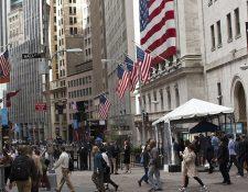 El temor de que se aproxime una nueva recesión económica ha provocado que muchas personas desconfíen de ahorrar su dinero en la banca.