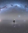 """La NASA seleccionó el 22 de octubre como """"foto astronómica del día"""" esta imagen de la Vía Láctea captada por Jheison Huerta en el Salar de Uyuni. Derechos de autor de la imagen© JHEISON HUERTA"""