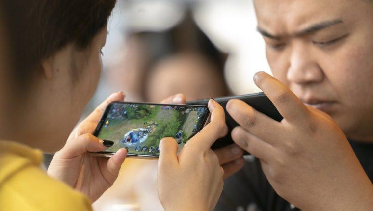 China comenzó a regular la industria de videojuegos para mitigar el aumento de la miopía en los niños.
