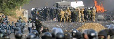 En el Chapare se vivieron escenas casi de guerra. AFP
