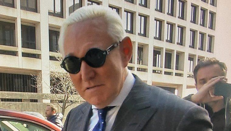Roger Stone fue hallado culpable de ofrecer falso testimonio al Congreso, obstrucción y manipulación de testigos entre otros delitos. REUTERS