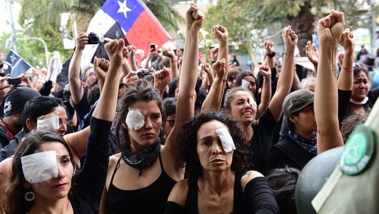 Un nuevo informe de Amnistía Internacional, que realizó una investigación en el país sudamericano, acusa al gobierno chileno de lastimar deliberadamente a los manifestantes.