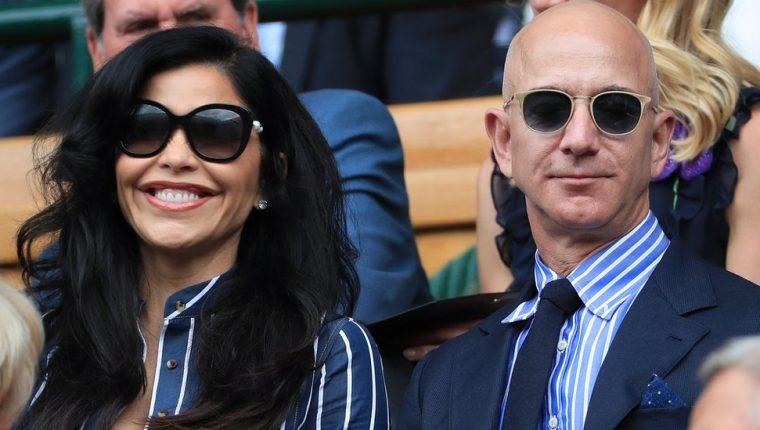 Bezos es junto a Gates uno de los hombres más ricos del mundo.
